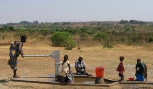 How does the Effectiveness of Water Filters in Malawi Affect User Compliance?